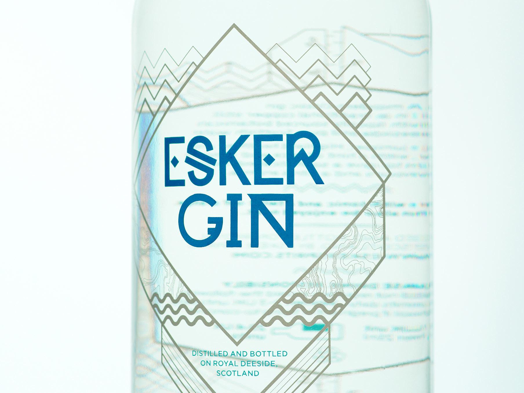 Esker-Gin-bottle_ipad6